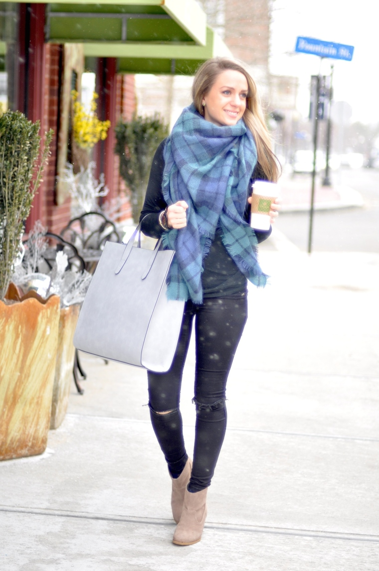 crew-neck-sweater-skinny-jeans-ankle-boots-tote-bag-scarf-watch-original-9113